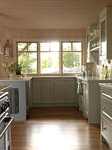 Sarah R. Cottage kitchen