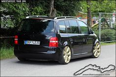 Golf Tips On Pitching Info: 2295301262 Volkswagen Touran, Used Vans, Vw Sharan, Golf Videos, Rims For Cars, Golf Tips For Beginners, Super Bikes, Vw Tiguan, Car Pictures