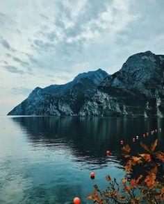 #landscape #landscapephotography #photography #photooftheday #lake #lago #rivadelgarda #water #sky #instagram #instagramer #igersitalia #igers #mountain #italy #italia