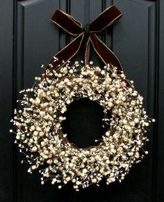 #Christmas #wreath  ToniK Ðℯck Ʈհe HÅĿĿs #DIY #crafts