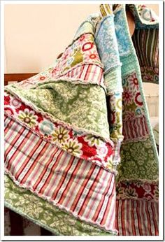 I would really like to try and make one of these rag quilts and this one is really cute!