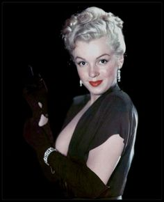 Hello and Welcome to the Marilyn Monroe Fan Site. Take a peek through the fine collection of Marilyn Monroe videos, photographs and gifs. Rare Marilyn Monroe, Marilyn Monroe Photos, Dorothy Parker, Tony Curtis, Tennessee Williams, James Joyce, Marcel Proust, Dh Lawrence, Malcolm