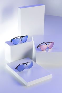 Ray-Ban introduces the Blaze and the Sharp Onesie lens. Discover the innovative flat lens-over-frame on full-metal style. Man Ray, Dinners For Kids, Kids Nutrition, You Nailed It, Eyeglasses, Eyewear, Mirrored Sunglasses, Ray Bans, Job 1
