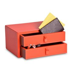 Cajones Koon es ideal para obsequiar ya que su diseño te permite darle múltiples usos. #Leather #artisan #Handmade #Handcraft #Gift #RegalosEnPiel #RegalosOriginales #Regalo #surprise