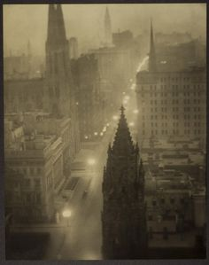 Alvin Langdon Coburn - Fifth Avenue from the St. Regis, New York, ca. 1905