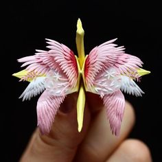 Cristian Marianciuc is an artist of origami! He keep challenging himself every day and creates some wonderful artwork from paper. And now we have more admirably origami art what we can watching. Origami Paper Crane, Origami 3d, Origami Love, Modular Origami, Origami Easy, Origami Cranes, Origami Artist, Diy And Crafts, Paper Crafts