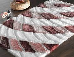 Shaggy halı modellerini çok seviyorum. Çünkü kabarık tüyleriyle bence tam bir kış halısı görünümünde oluyorlar. Üstelik her türlü dekorasyon stiline de uyum sağlıyorlar.  http://www.pcwebim.com/online-hali-alisverisi/