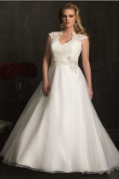 This showstopper from Allure Bridals Women Collection | 31 Jaw-Dropping Plus-Size Wedding Dresses