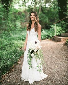 Chelsey's waterfall #bouquet of roses and lush ivy couldn't have been a more perfect complement to her and Brett's glamourous Gatsby wedding theme! Photographer: @carolynmariephotography | Venue: @mybelovedhomewood | Planner: @carolinaloveevents Diy Wedding Bouquet, Diy Wedding Flowers, Wedding Dresses, Budget Wedding, Wedding Planner, Gatsby Wedding, Wedding Shit, Bulk Flowers Online, Diy Waterfall