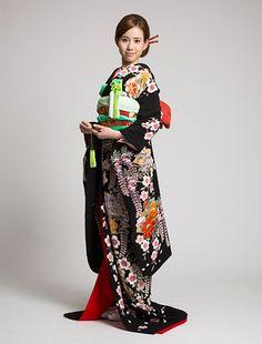 ウエディングドレス、高品質な結婚式ドレスならW by Watabe Wedding / 引き振袖【藤桜桧扇】