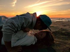 Expert Advice on How to Make Your Boyfriend Love You More