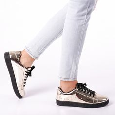 Pantofi sport dama Jules aurii Sneakers, Sports, Fashion, Tennis, Hs Sports, Moda, Slippers, Fashion Styles, Excercise