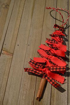 Ribbon Christmas Tree Ornament DIY - Rustic Crafts & Chic Decor red ribbon Christmas tree ornament D Christmas Ornament Crafts, Outdoor Christmas Decorations, Diy Christmas Ornaments, Homemade Christmas, Diy Christmas Gifts, Holiday Crafts, Christmas Holidays, Christmas Wreaths, Country Christmas Trees