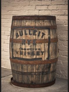 vintage half whiskey barrel coffee table sweet home alabama pinterest quilt vintage en whiskey vaten