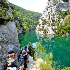 Les basses Gorges du Verdon se situent entre les lacs de Sainte-Croix et d'Esparron. #verdon #randonnee #nature