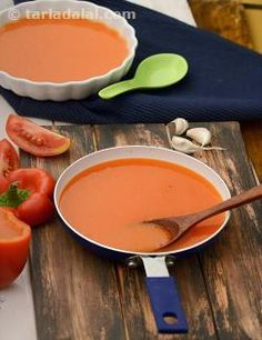 Roasted capsicum soup, this simple but delectable soup is packed with goodness of folic acid and vitamin a from capsicum and tomatoes. Tomato Soup Recipes, Healthy Soup Recipes, Healthy Cooking, Vegetarian Recipes, Healthy Eating, Cooking Recipes, Cholesterol Lowering Foods, Cholesterol Levels, Cholesterol Symptoms