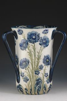 Andrew Muir | Clarice Cliff, Art Deco Pottery, Moorcroft and 20th Century Ceramics DealerMoorcroft Huge Poppy Tyg c.1905