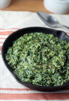 A super simple #keto creamed spinach recipe for those #lazy nights where you don't want to spend too much time cooking! Shared via www.ruled.me/
