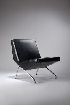 Pierre Guariche - Chromed-Steel Base Chair for Sièges Témoin Design Furniture, Chair Design, Vintage Furniture, Cool Furniture, Furniture Movers, Interior Exterior, Interior Design, Industrial Office Chairs, Take A Seat
