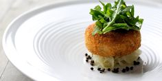 Salmon Fish Cakes Recipe With Rocket, Capers & Lime Dressing - Great British Chefs Salmon Recipes, Fish Recipes, Seafood Recipes, Cooking Recipes, Fish Cakes Recipe, Cake Recipes, Cena Formal, Great British Chefs, Gourmet