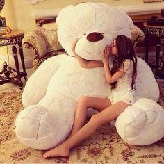 When this teddy bear is to cute ✨ Huge Teddy Bears, Giant Teddy Bear, Big Bear, Teddy Bear Hug, White Teddy Bear, Bear Toy, Tatty Teddy, Kung Fu Panda, Girly Things