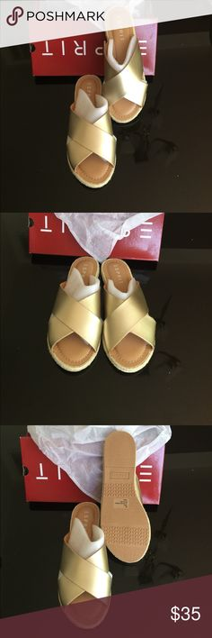 Esprit Venice Gold Slippers Esprit Venice Gold Slippers  Condition: New with box ... N/B storage flaws at the front: nothing major - pls see photos 👆 Size 8 Color : Gold Esprit Shoes Slippers