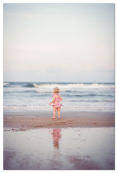 enfant à la plage  www.lekoutchoulou.com