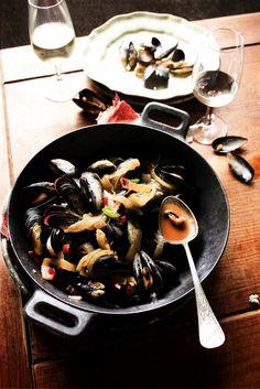 Pratos e Travessas: Mexilhões com chilis e gengibre # Mussels with chilis and ginger