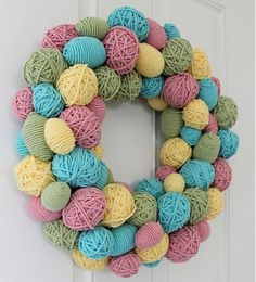 Easter Egg Wreath--wrap yarn around Easter eggs! Hoppy Easter, Easter Eggs, Easter Bunny, Easter Tree, Spring Crafts, Holiday Crafts, Easter Wreaths, Spring Wreaths, Easter Garland