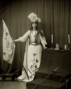 Pss Victoria Melita of Edinburgh as Joan d Arc in a Tableaux Vivant. Queen Victoria Family, Princess Victoria, Joan D Arc, Maud Of Wales, Images Of Princess, Princess Alexandra, Tsar Nicholas, Grand Duke, British Royals