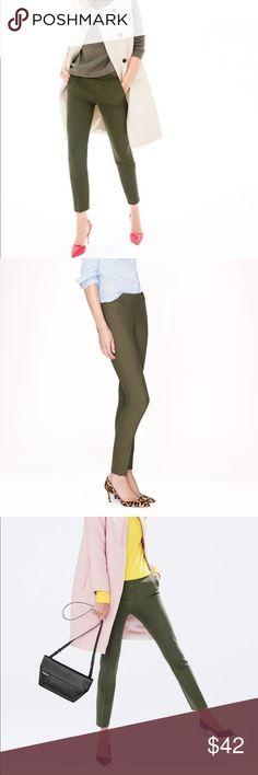 J.Crew Mattie Bi-Stretch Cotton Blend Pants Green New without tags. 52% cotton 41% viscose 7% elastane J. Crew Pants Ankle & Cropped