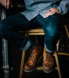 Red Wing Shoes carries a full line of work boots for all industries and work sites. Red Wing boots are safety boots that are comfortable enough for all day wear. Red Wing Boots, Botas Red Wing, Rugged Style, Sharp Dressed Man, Well Dressed, Denim Fashion, Look Fashion, Male Fashion, Rugged Men's Fashion