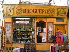 Droguerie à Carpentras/Vaucluse  by Esther van Gerwen