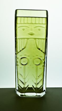 Detailed image of Signed Berndt vase for Flygsfors Retro, Kosta Boda, Detailed Image, Scandinavian Design, Industrial Design, Product Design, Mid-century Modern, 1960s, Glass Art
