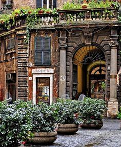 Quaint little Barber Shop in Rome