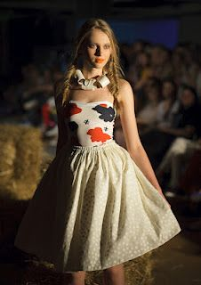 Story of a Cow - unique fashion show by unique Slovak brand - Puojd.  All the unique pieces here http://puojd.sk/sk  and btw - I'm in love with this skirt