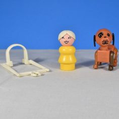 Farm Set 915 Little People Play Family 1980 Mom, dog, horse, harness and 3 cows
