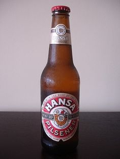 Cerveja Hansa Pilsener, estilo Standard American Lager, produzida por South African Breweries - SAB, África do Sul. 4.5% ABV de álcool. African Crafts, All Brands, Craft Beer, Brewery, Beer Bottle, South Africa, Rugby, American, Water
