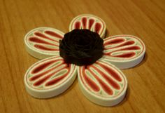 video tutorial on post---Quilling Me Softly: Noodle petal flower - Tutorial :)