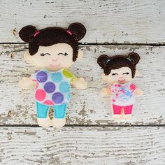 This listing is for one Allison doll with her dress.  Do you remember playing with paper dolls when you were growing up? This treasured concept is renewed in our Line of Non Paper Dolls! Each piece is made of felt on front and back.