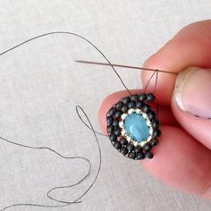 Make Miguel Ases Style Jewelry: Basic Techniques, DIY, free tutorial at Lisa Yang's Jewelry Blog - lots of free tutorials here