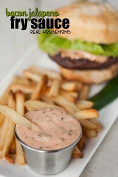 Elevate your french fries, onion rings, sandwiches and burgers to a whole new level with this quick and easy Bacon Jalapeno Fry Sauce. Sauce Recipes, Cooking Recipes, Healthy Recipes, Dips, Stuffed Jalapenos With Bacon, Fry Sauce, Good Food, Yummy Food, Tapenade