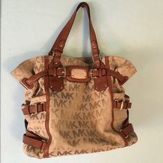 Spotted while shopping on Poshmark  ❣TRADED❣Michael Kors Signature  Gansevoort Purse!   048ee331c0
