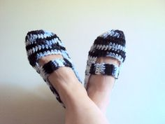 Women Slippers Crochet Flats Soft and Comfortable by GrahamsBazaar