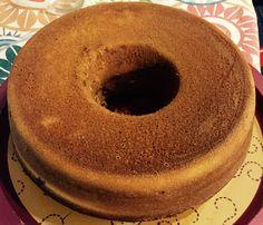 Probando bases para hacer tortas. Acá hice uno marmoleado. En el interior está la parte de chocolate. Falta el frosting  la decoración.