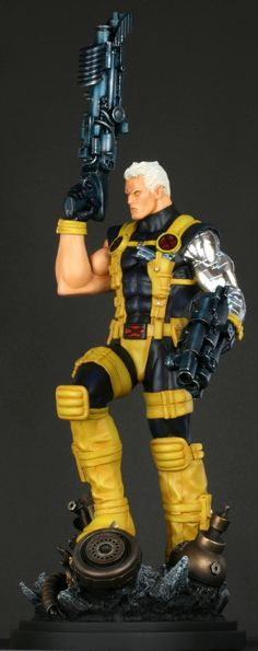 Cable Modern statue  Sculpted by: Kucharek brothers    Release Date: January 2010  Edition Size: 800  Order Of Release: Phase IV (statue #186)