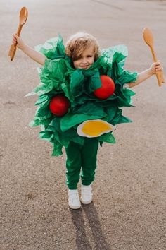 Sugar & Cloth: DIY Halloween Costumes for Kids and Babies. See all the costume ideas here! #costumes #kids #halloween #diy #boys #girls #siblings #creative #cute #toddlers