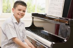Free online piano lessons for kids w/ videos!