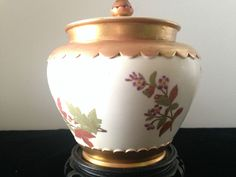 ANTIQUE ROYAL WORCESTER PORCELAIN  POTPOURRI URN C.1889