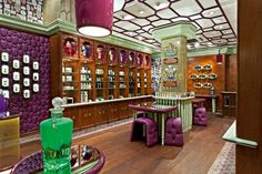 Penhaligon's new shop on Regent Street in London is an eccentric Edwardian styled perfume emporium designed by Christopher Jenner. Shop Interior Design, Retail Design, Store Design, Visual Merchandising, Street Shop, Regent Street, Trade Center, Perfume Display, Natural Wood Flooring